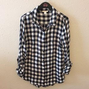 Black and white button up checkered flannel Medium